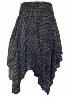 Mid length layered skirt: Black